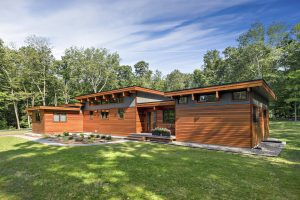 Contemporary custom home in Westchester County NY by Nordic Construction